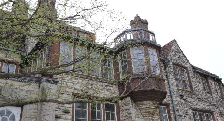 Historic Evanston building image